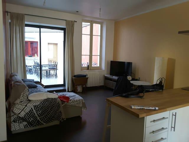 BELLE CHAMBRE DANS UNE MAISON - Marseille - House