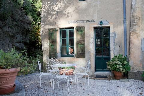 Przytulny, romantyczny mnóstwo charakteru, spokojny domek