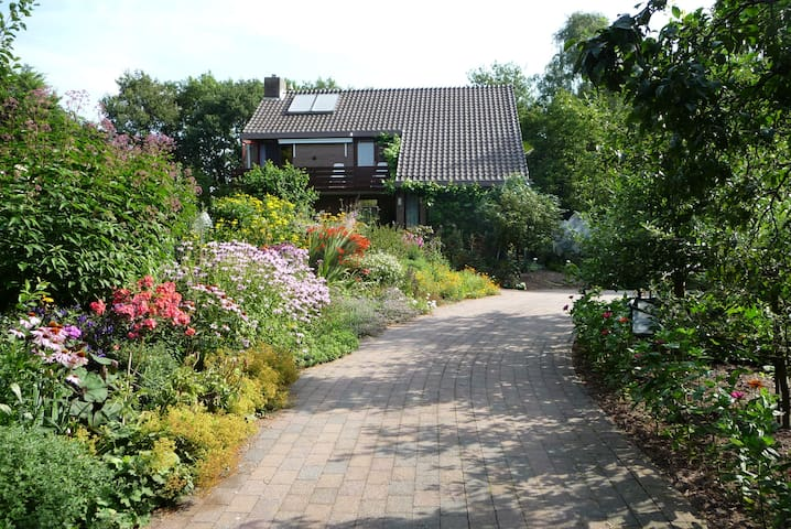 Qualified B & B  Family Van Vliet - Hernen - Bed & Breakfast