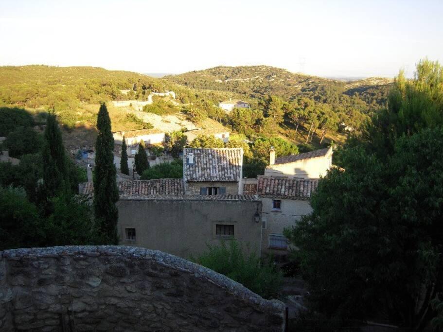 Vue panoramique dégagée (Panoramic view)...