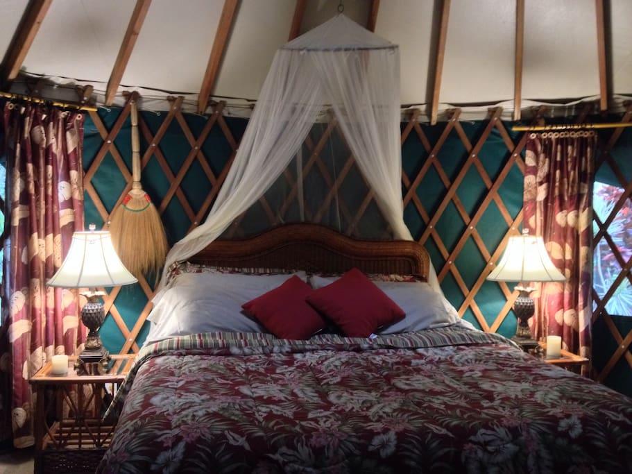 King size memory foam mattress with Egyptian cotton sheets