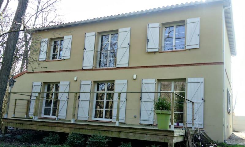 Maison type Toulousaine au bord de la rivière - Calmont - Dom