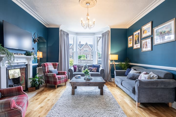 West of the Ness: Beautiful Highland home