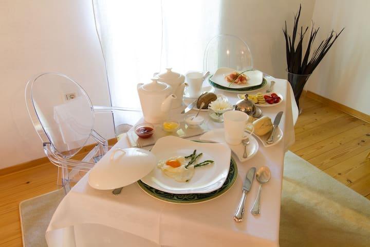 Residence Apolonija - Šmarje pri Sežani - Bed & Breakfast