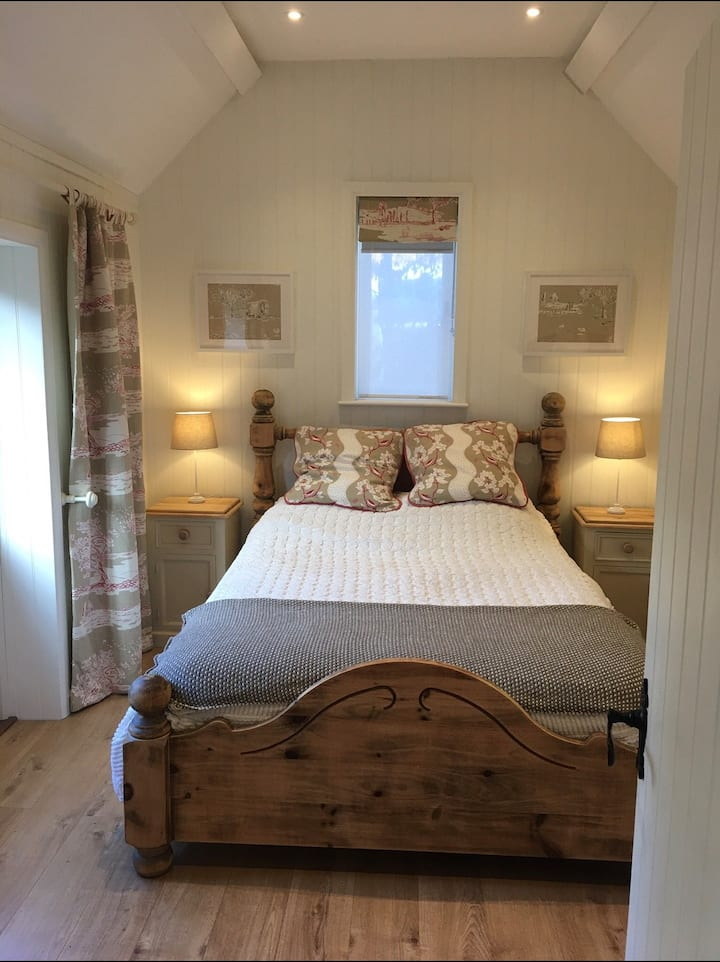 New Cotswold retreat. The Old Stables Annexe.