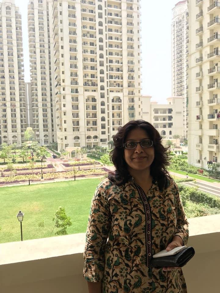 3 bedroom Central Delhi Aircon  luxury apartment