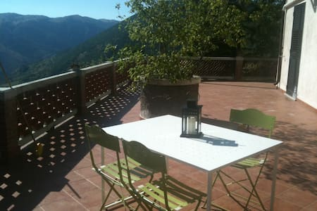 Villa vista lago a 4 km da Scanno. Max privacy