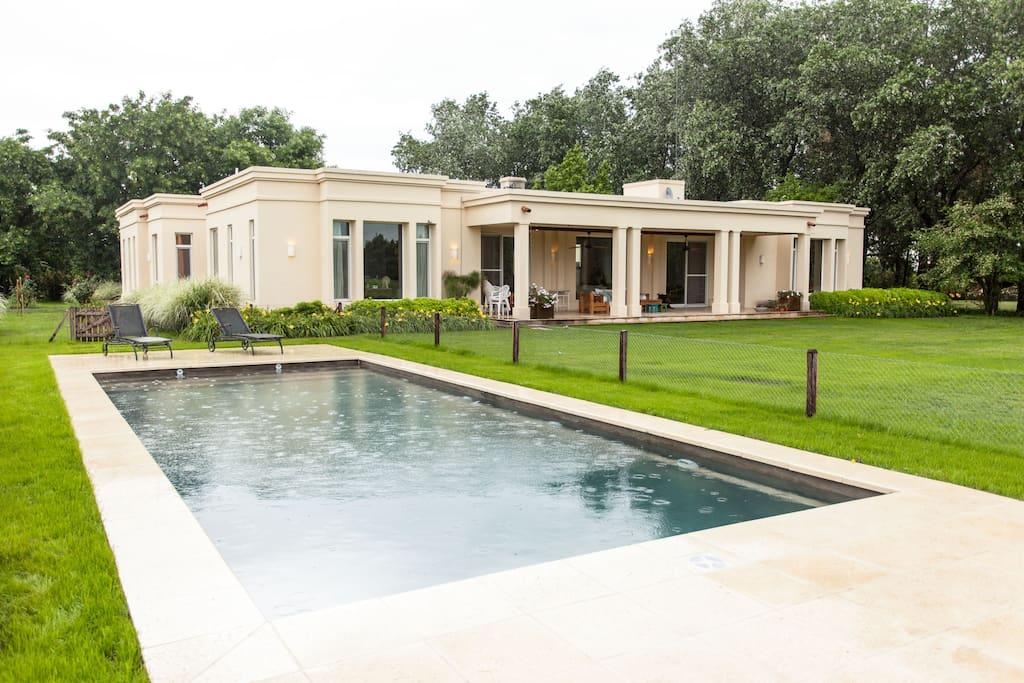 Casa Moderna Frente A Cancha De Polo Casas En Alquiler