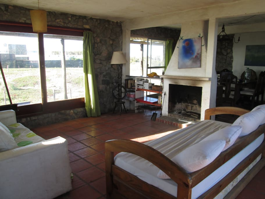 Living room with view to Laguna Jose Ignacio