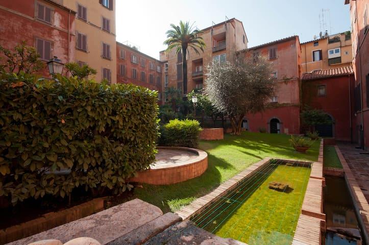 CASA TREVI GARDEN N. 2 - Roma - Appartamento