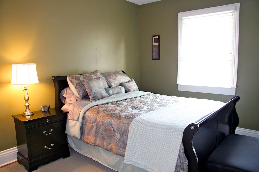 Spacious 2 Bdrm in Historic Old Lou