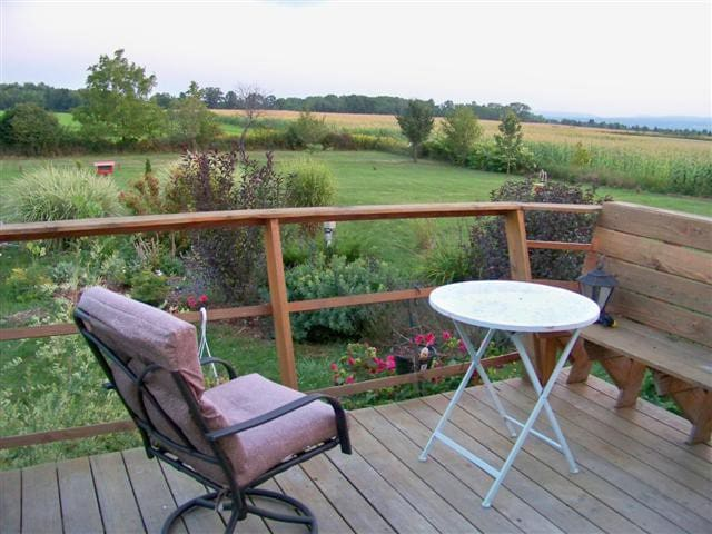 Private Suite Country Setting - Lansing - House