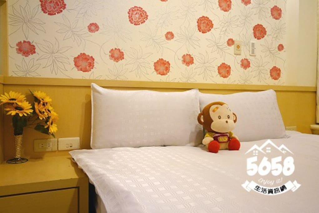 我們的床單枕頭棉被每天都有送洗~~^_^