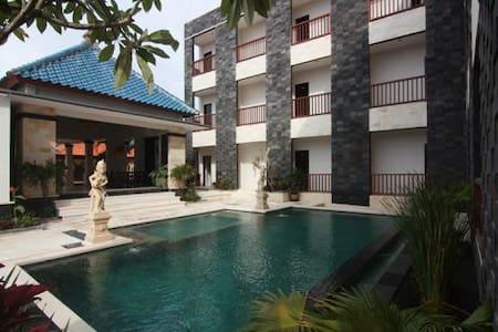 Mamo-Uluwatu Ocean View Hotel Bali