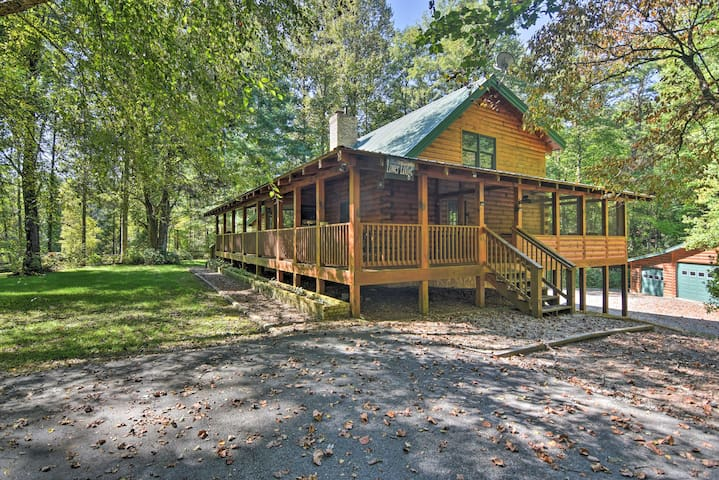 Lodge on 80 Acres w/Hot Tub, 45 Min. to Asheville!