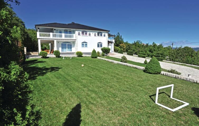 Villa Gudelj