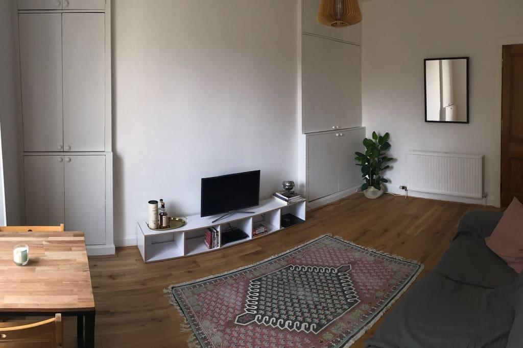 Living room (pano shot)