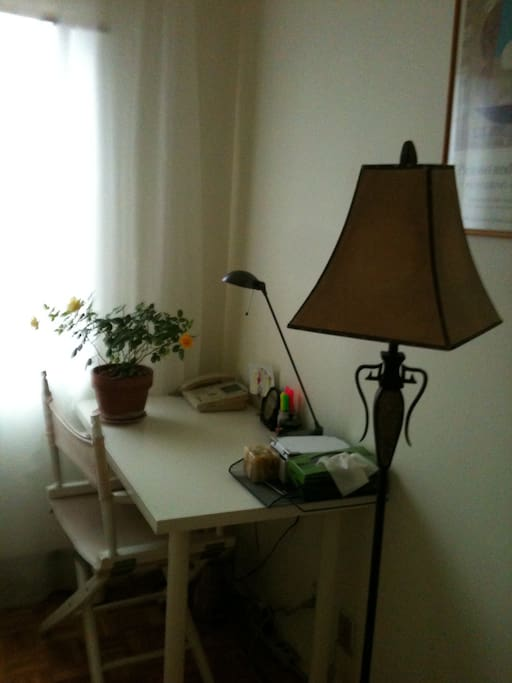 Small desk in the rental room.