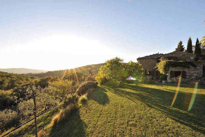 Charming stone farmhouse in the heart of Chianti