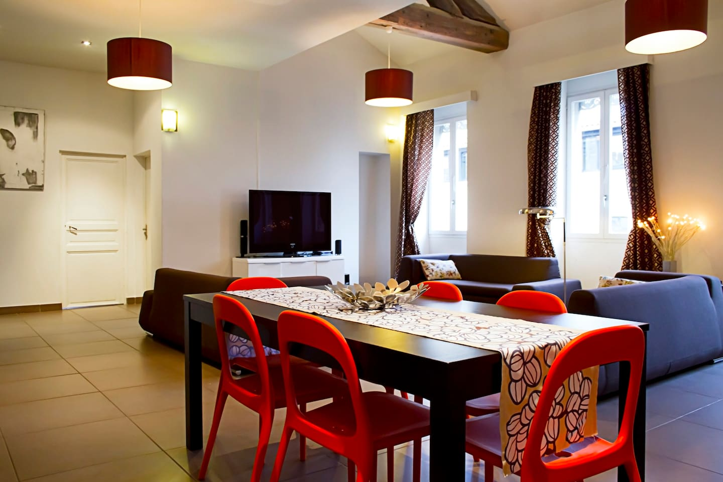 Avignon center / ac / 9 pax / 200m pope palace   apartments for ...