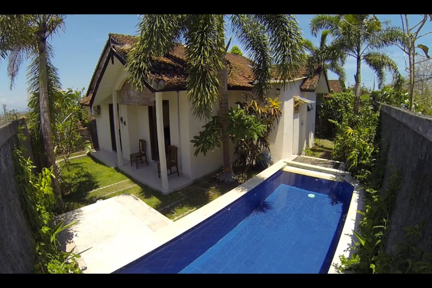 A Cozy Two Bedroom House with pool