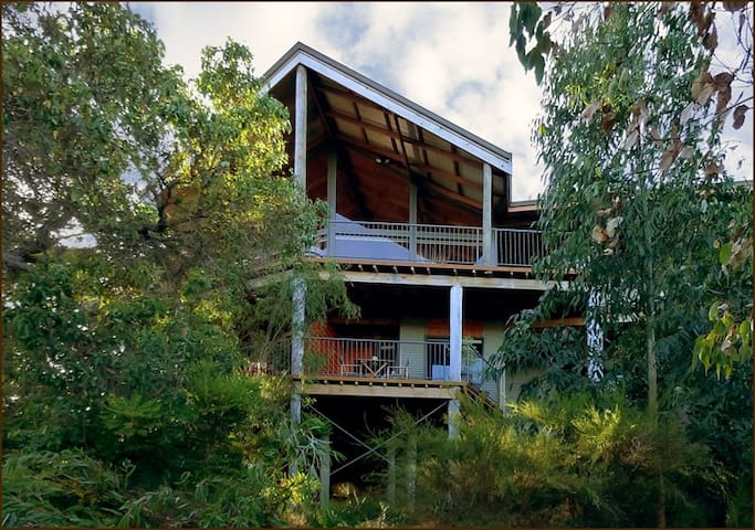 HideAway Haven-Luxury Accommodation