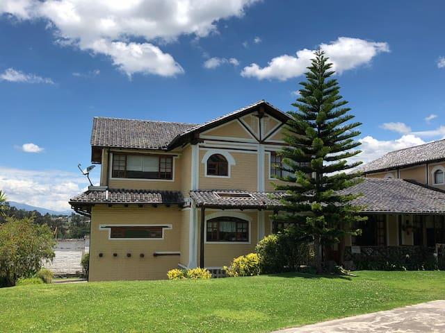 Casa Chiviqui Tumbaco