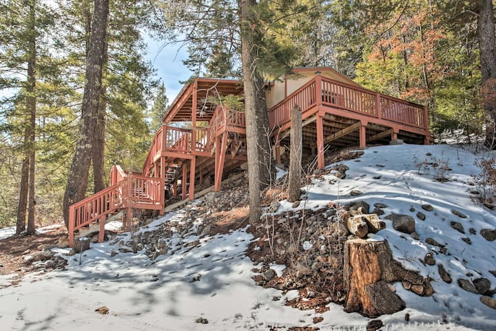 Rustic Cloudcroft Cabin w/Deck-Near Skiing & Fishing!