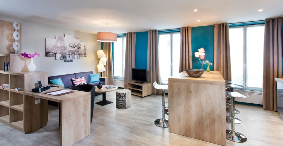 Luxury apartment at Vincennes 4****