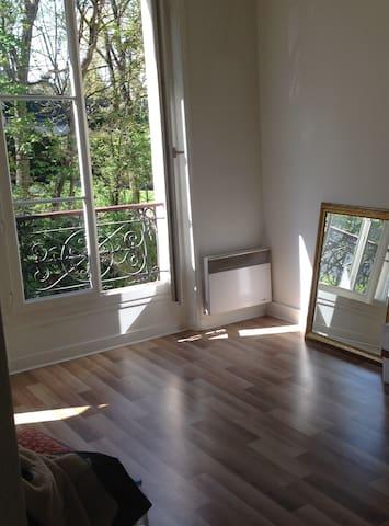 Cozy Montmartre apartment