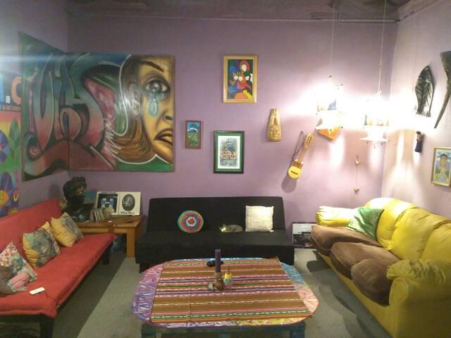 La casa imaginaria, espacio educativo y cultural
