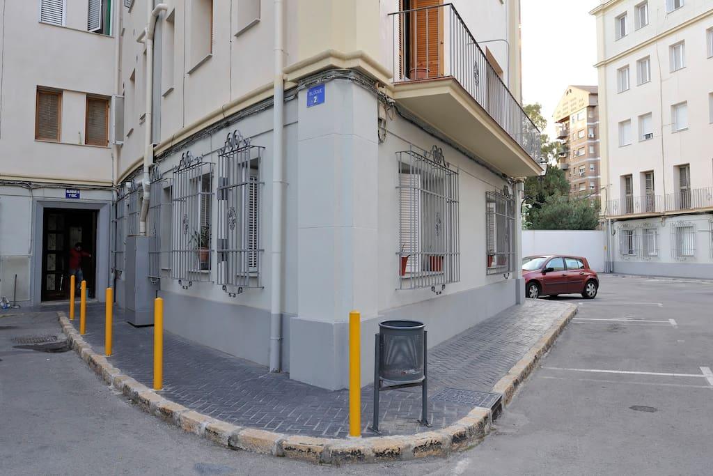 Habitaci n ind c ntrica asequible departamentos en for Alquilar habitacion en murcia