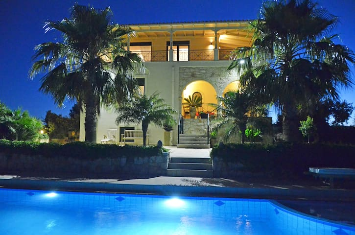 Villa Europa at Western Crete. - Kato Vouves / Kolimbari - Villa