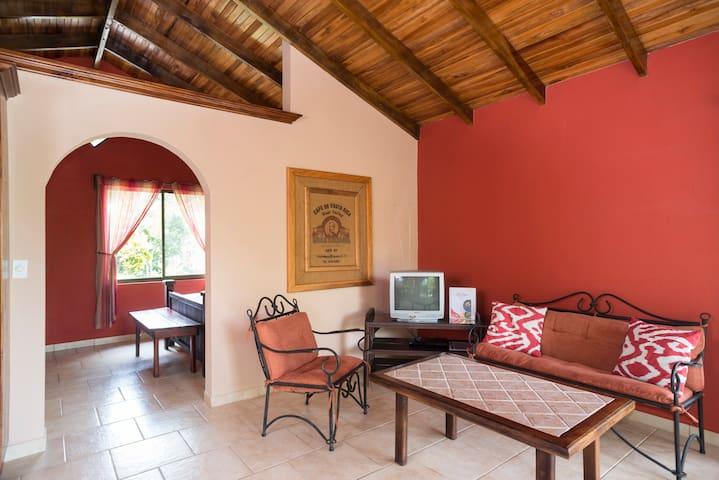 Poco Cielo Resort Bungalow 3 - Atenas Canton - Hytte
