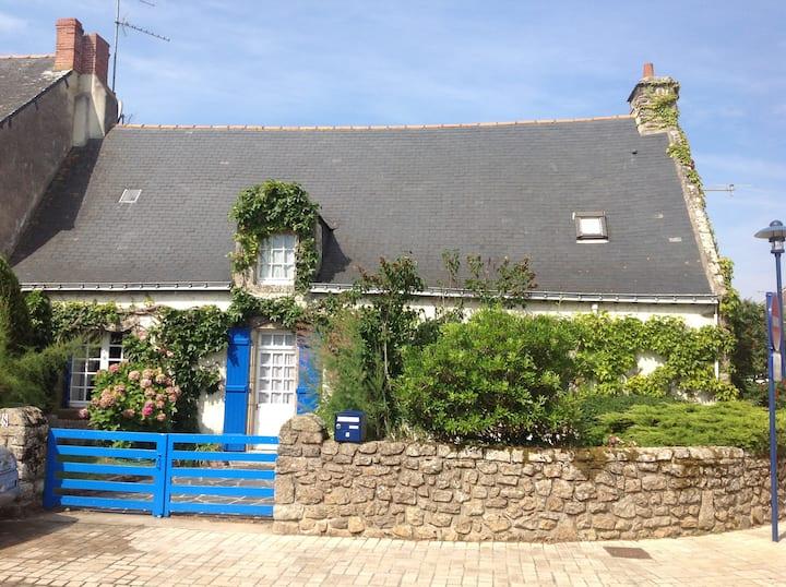 Maison de charme avec jardin Quimiac 400m plage