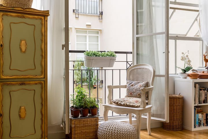 Paris style apartment in the CBD - Melbourne - Apartment