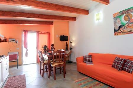 monolocale mansardato con terrazza  - Sant'Antioco - Casa
