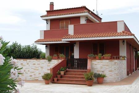 Villa con Piscina a Ruvo di Puglia