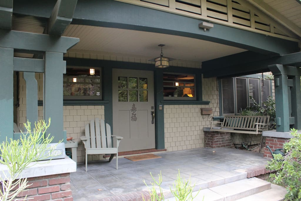 Historic pasadena craftsman home houses for rent in for Pasadena craftsman homes