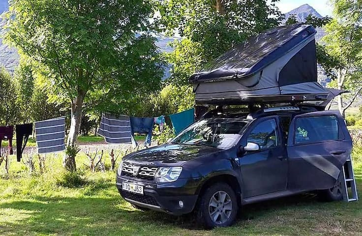 Dacia 4x4 and Top-tent.