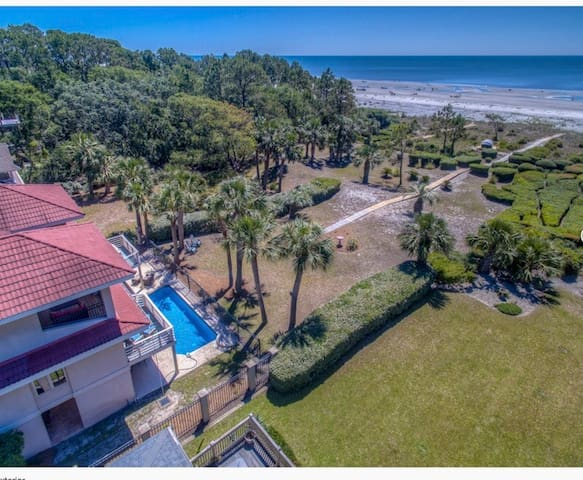 Luxury Oceanfront Home with Pool. Private Setting.