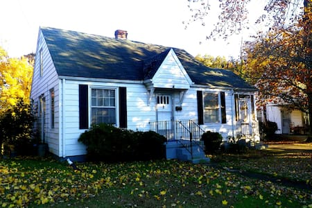 The Highland House~Entire house - Martinsville - Ev