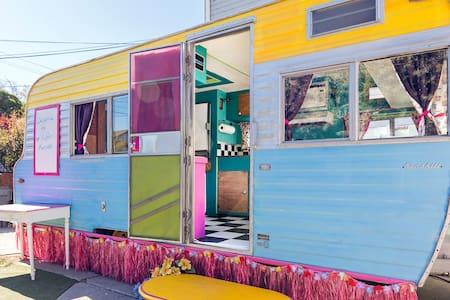 Vintage Caravan ~ Urban Glamping!