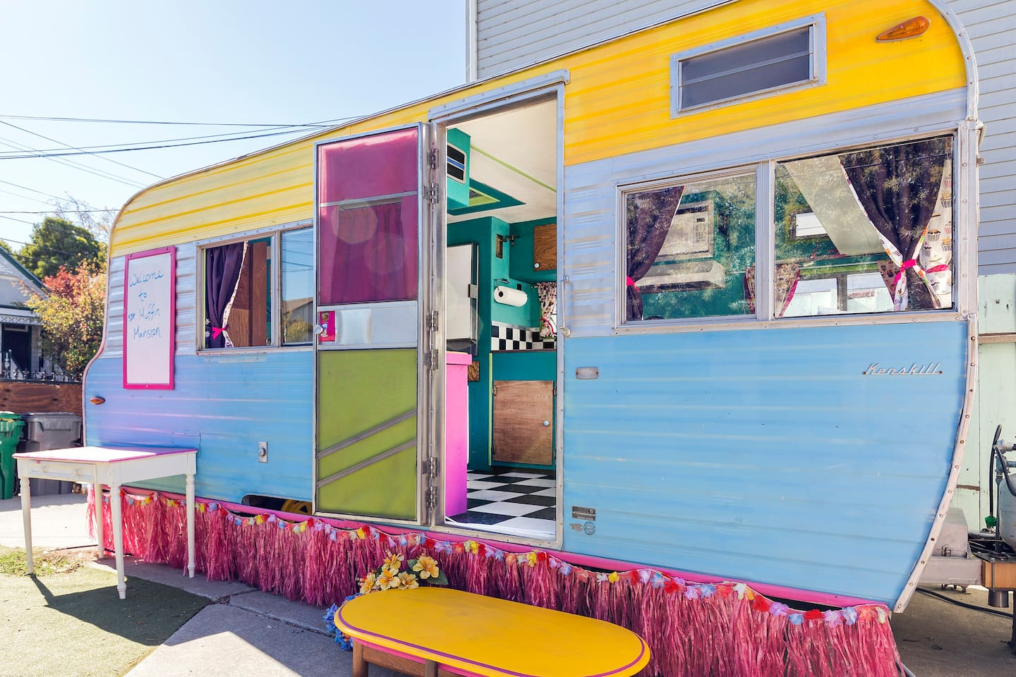 Fabulously restored vintage trailer for your urban glamping adventure!