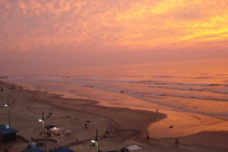 Casa a uma quadra da praia (Centro) - Mongaguá  - Casa