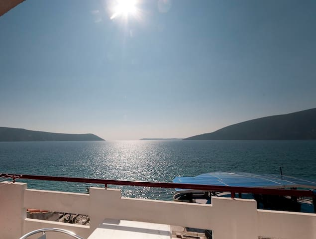 Waterfront studio for two (No3) - Herceg Novi - Apartamento