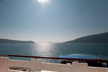 Waterfront studio for two (No3) - Herceg Novi - Appartement