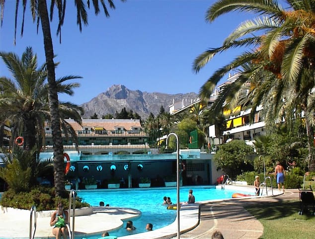 LUXURY STUDIO,  GOLDEN MILE, MARBELLA, FREE WIFI - Marbella - Apartamento