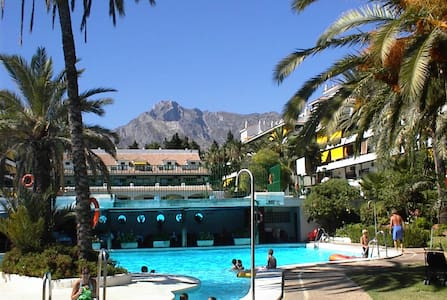 LUXURY STUDIO,  GOLDEN MILE, MARBELLA, FREE WIFI - Marbella