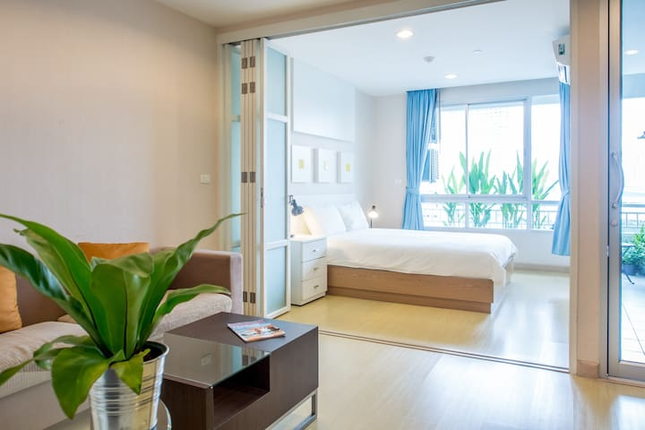 42 sqm with pool, near BTS & RIVER - Bangkok - Daire